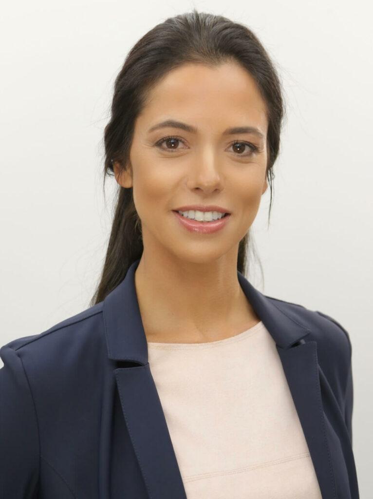 Dra Paula Dall Stella